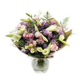 זר פרחים בצבעי פסטל