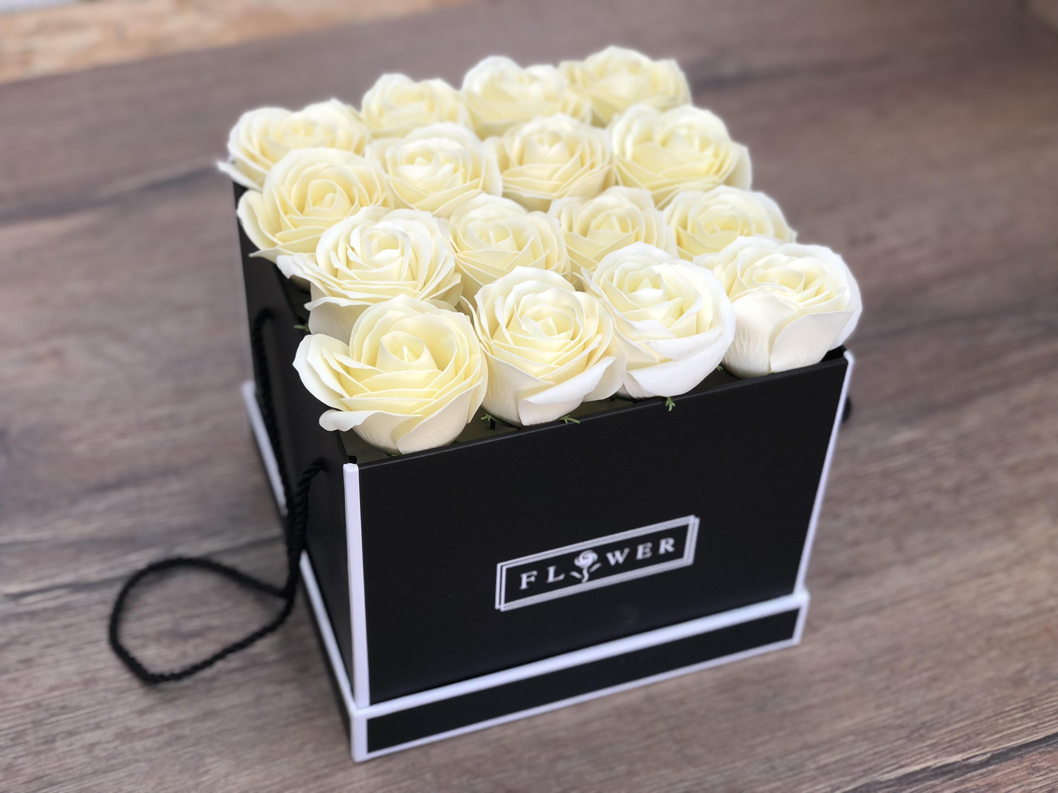 פרחי סבון FLOWER BOX / שמנת