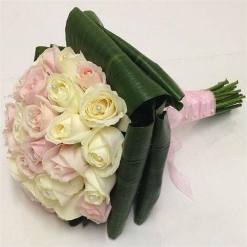 זר ורדים ורוד שמנת